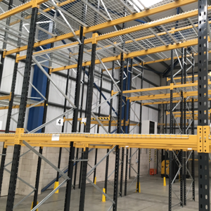 Industrial pallet racking wanted